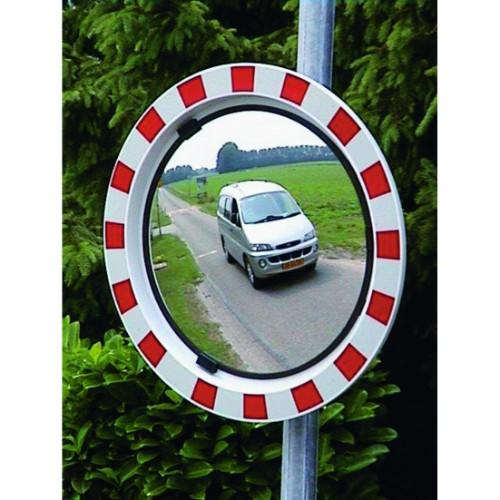 Trafikspegel med röd/vit ram